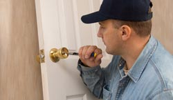 Santa Clarita emergency locksmith